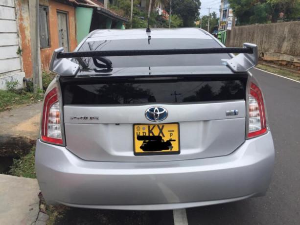 toyota-prius-car-sale-big-1