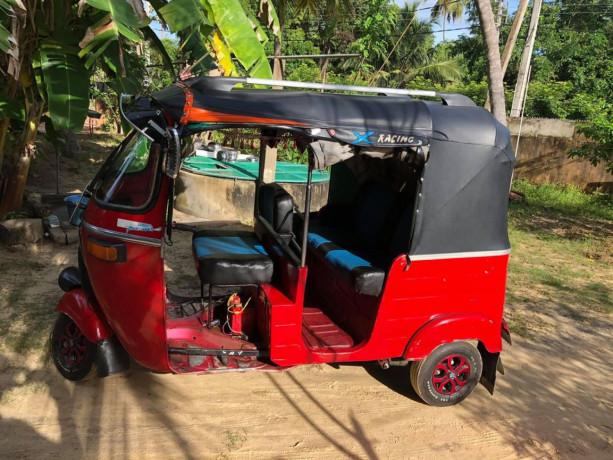 bajaj-three-wheeler-sale-big-0