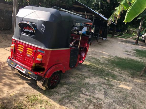 bajaj-three-wheeler-sale-big-4