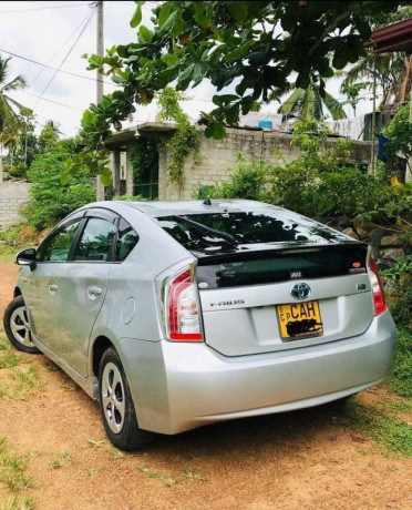 toyota-prius-car-for-sale-big-0