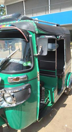 bajaj-re-4-stoke-three-wheeler-for-sale-big-2