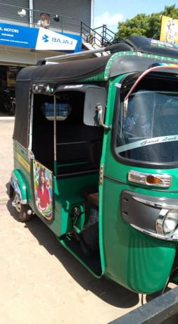 bajaj-re-4-stoke-three-wheeler-for-sale-big-1