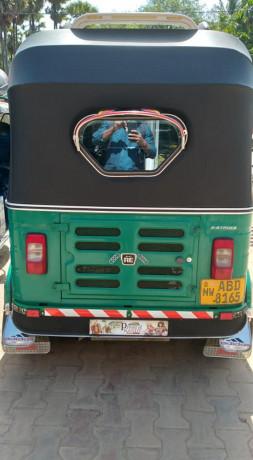 bajaj-re-4-stoke-three-wheeler-for-sale-big-3