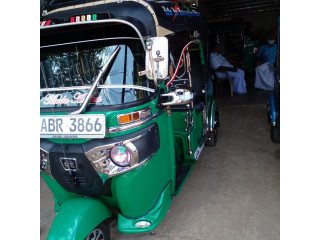 Bajaj Three-wheeler for sale in Kilinochchi