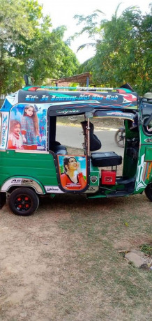 bajaj-three-wheeler-for-sale-in-kilinochchi-big-0