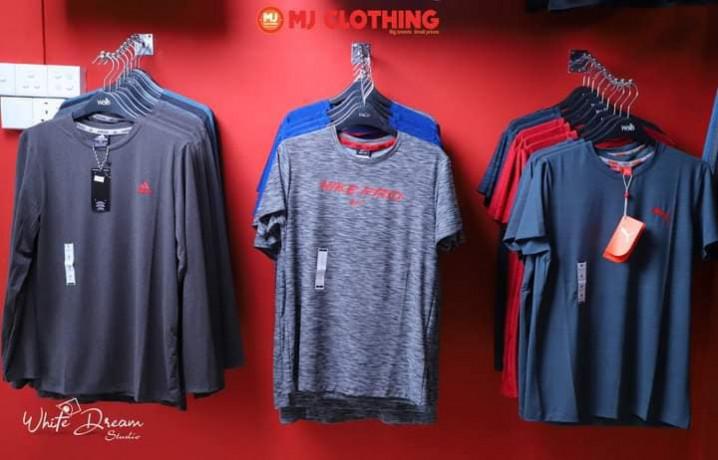 mj-clothing-branded-showroom-big-3